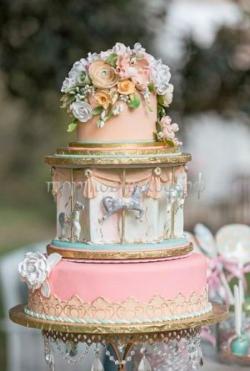 """Свадебный торт """"Карусель"""""""
