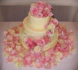 "Свадебный торт на заказ в СПб - ""Лепестки роз"""