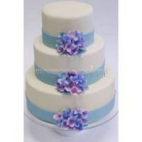 Торт свадебный на заказ - белый с голубыми лентами